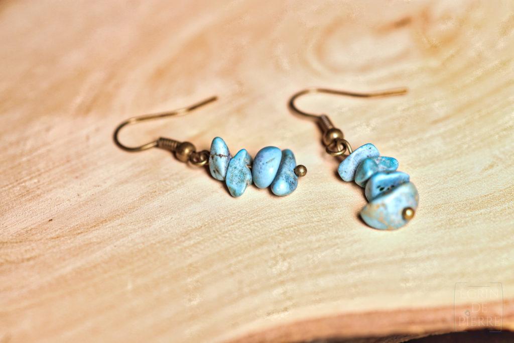 boucles d'oreilles totem par écrin de pierre en turquoise africaine et howlite fait main