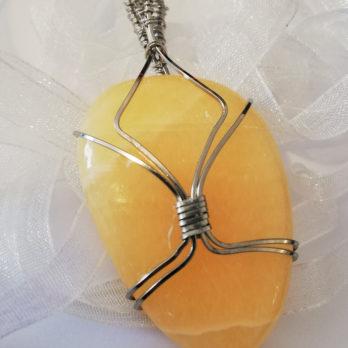 ecrin de pierre pendentif calcite jaune et inox